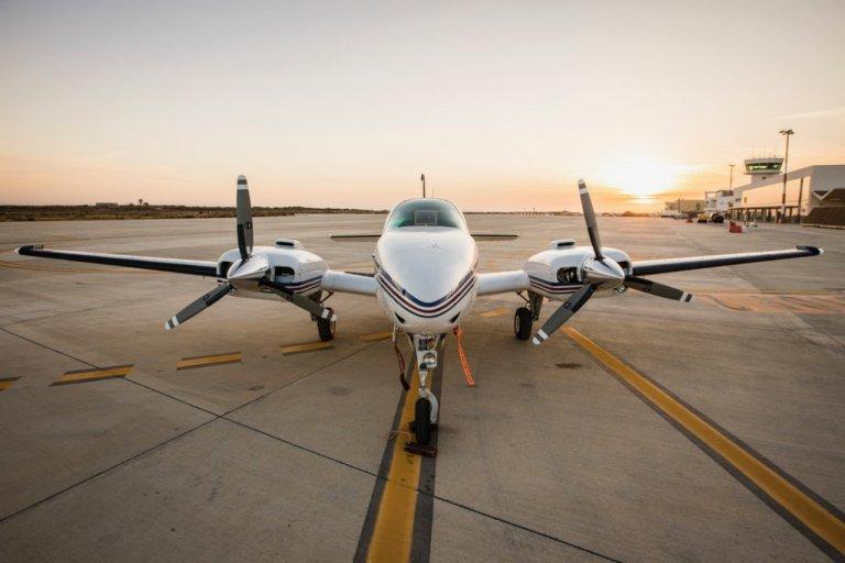 هواپیمای سی بیرد به تازگی به هواپیمای مون بیرد پیوسته تا در عملیات نجات در مدیترانه شرکت کند. عکس از سازمان سی واچ
