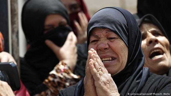 picture-alliance/AP Photo/H. Malla |سيدة سورية لاجئة في لبنان (أرشيف )