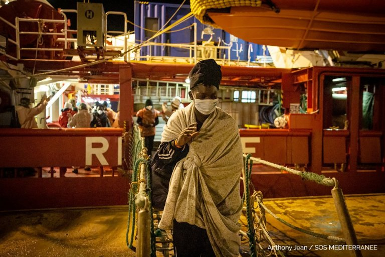 116 migrants disembark from the Ocean Viking in the port of Augusta, Sicily | Photo: Anthony Jean / SOS Mediterranee twitter feed @SOSMedIntl