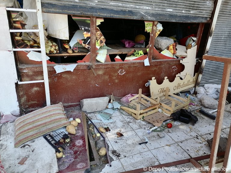 This store was vandalized by an angry mob targetting Syrian shopkeepers in Ankara, Turkey   Photo: Depo Photos/abaca/picture-alliance