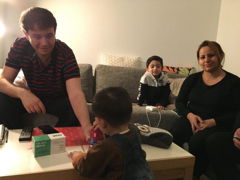 Image d'illustration d'une famille afghane hébergée dans une famille parisienne. Crédit : InfoMigrants (photo d'archives)