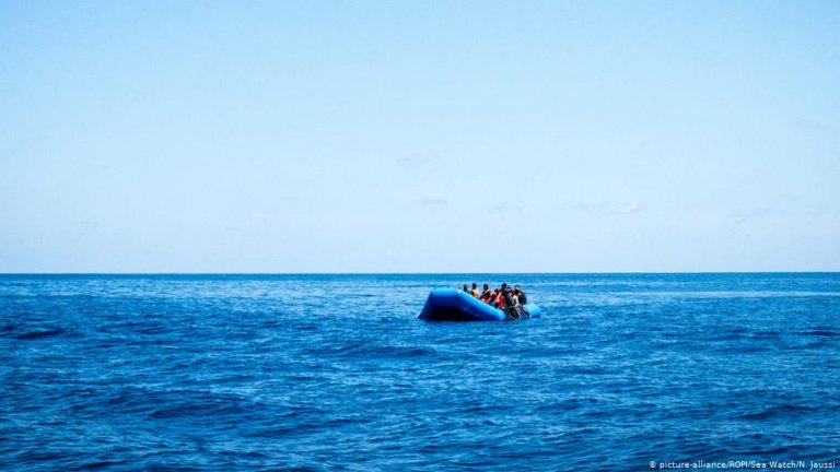A migrant boat in the Mediterranean | Photo: Picture-alliance/ROPI/Sea Watch/N.Jaussi