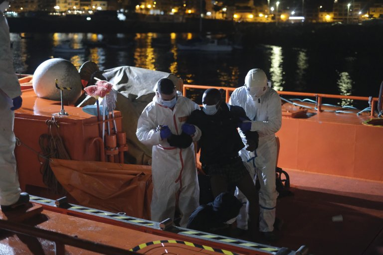 Migrants arrive in the port of Arguineguin on Gran Canaria, Spain | Photo: EPA/Angel Medina