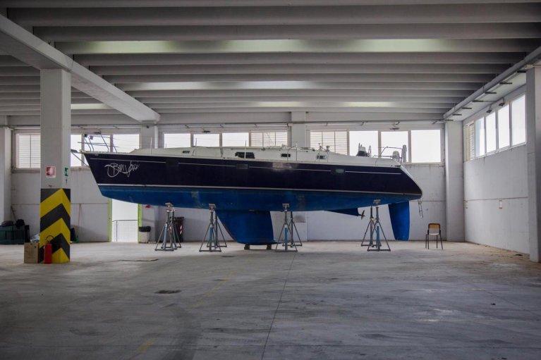 """ANSA / القارب """"بون جوفي"""". المصدر: المكتب الصحفي لمؤسسة كالاسانسيز للثقافة والتدريب."""