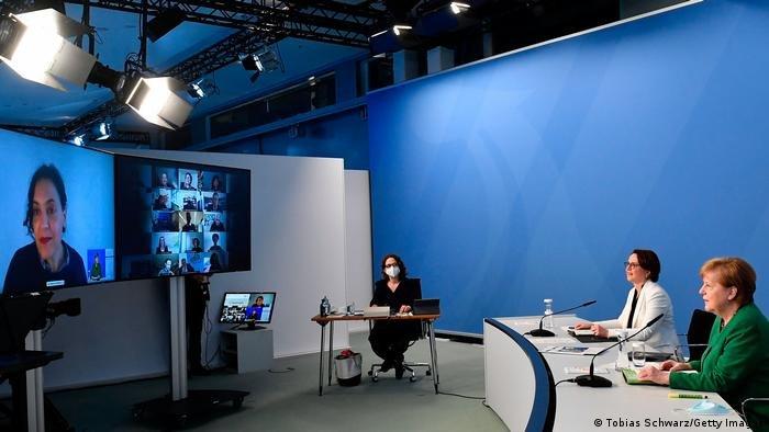 Tobias Schwarz/Getty Images |المستشارة الألمانية أنغيلا ميركل تشارك للمرة الأخيرة في قمة الاندماج، إذ إنها ستودع عالم السياسة في ألمانيا في الخريف القادم.