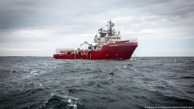 """سفينة الإنقاذ """"أوشن فايكنغ""""/ الصورة: منظمة """"إس أو إس ميدتيرانيه"""""""