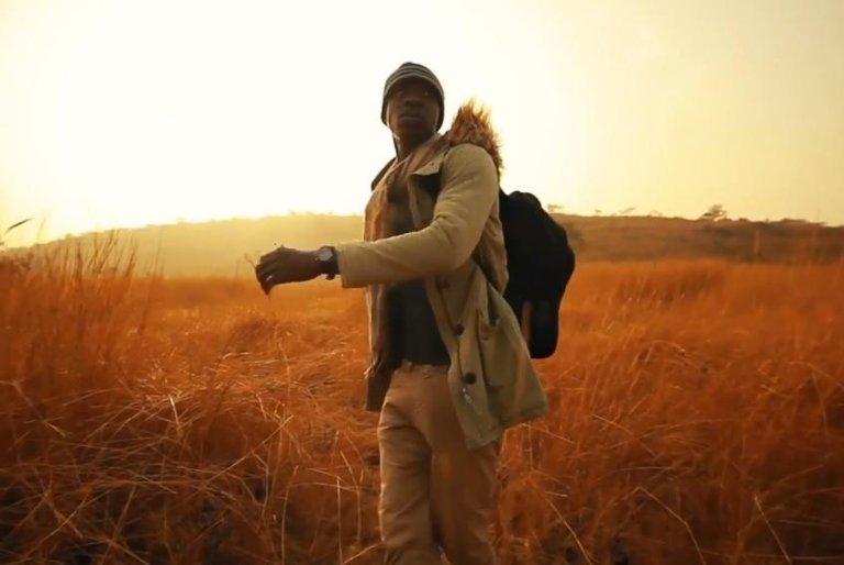 "ansa / صورة من شريط فيديو أغنية ""الجسر"" التي أداها فريق ""دج جي فورس 3"" في غينيا. المصدر: منظمة الهجرة الدولية"