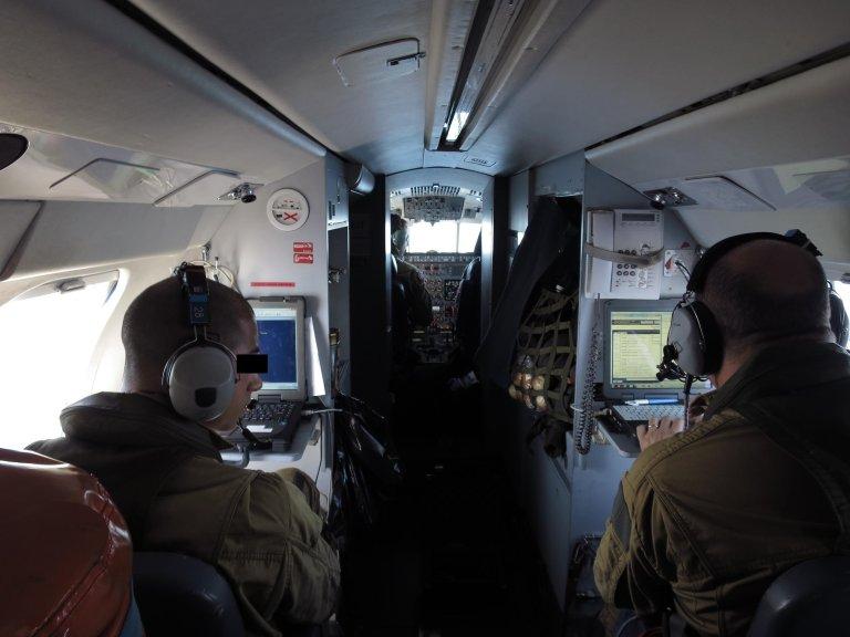 RFI/Olivier Fourt |Ce «Falcon 50» de la marine française est en mission au large de la Libye dans le cadre de Sophia, le 22 septembre 2016.