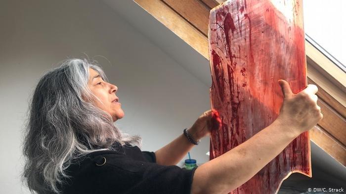 محبوبه مقصودی، زن افغان با دستان جادویی