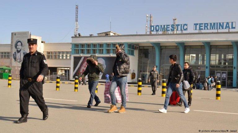 آرشيف. حامد کرزي نړیوال هوايي ډګر. کابل