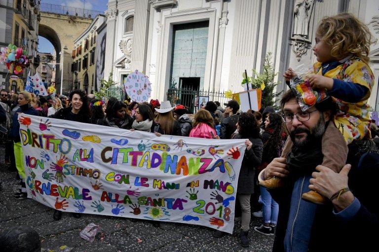 احتفال الأطفال من أجل الحقوق والمواطنة في نابولي. المصدر: أنسا/ سيرو فوسكو.