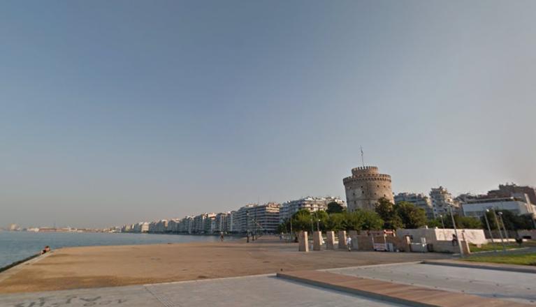 Le front de mer de la ville portuaire de Thessalonique dans le nord de la Grèce. Crédit : Google Street View.