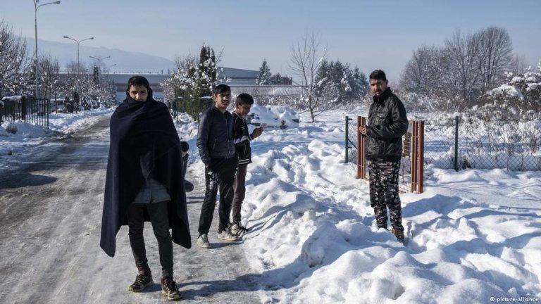 مهاجران در بوسنیا: هر روز شماری از آن ها سعی می کنند خود را از طریق مرز این کشور به کرواسیا برسانند.