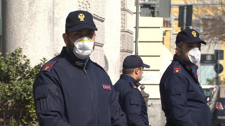 Italian police with masks | Photo: ANSA