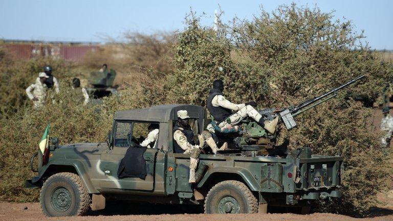 Des soldats maliens dans la région de Gao, en janvier 2017. Crédit : AFP