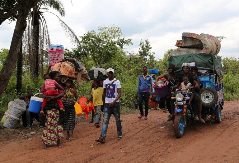 REUTERS/Giulia Paravicini |Des réfugiés congolais en Angola sur la route de leur pays d'origine, dans la région du Kasaï, après avoir été expulsés par leur pays de refuge, le 31 octobre 2018.