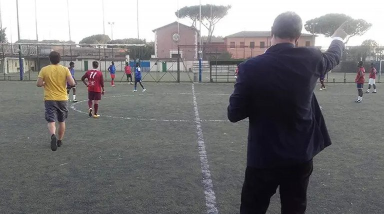 Young refugees play football in Rome | Photo: ANSA