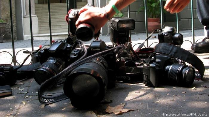 در ماه های گذشته شمار زیادی خبرنگاران در افغانستان قربانی ترور های هدفمندانه شدند (عکس آرشیف)