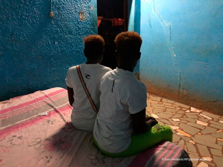 Two Nigerian sex workers in Burkina Faso's town of Bobo-Dioulasso. Now free from their captors, they are too ashamed to return home without money | Photo: AP/Sam Mednick via picture-alliance