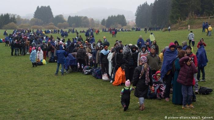 عکس از آرشیف/ موج مهاجرت را در سال ۲۰۱۵ نشان میدهد.