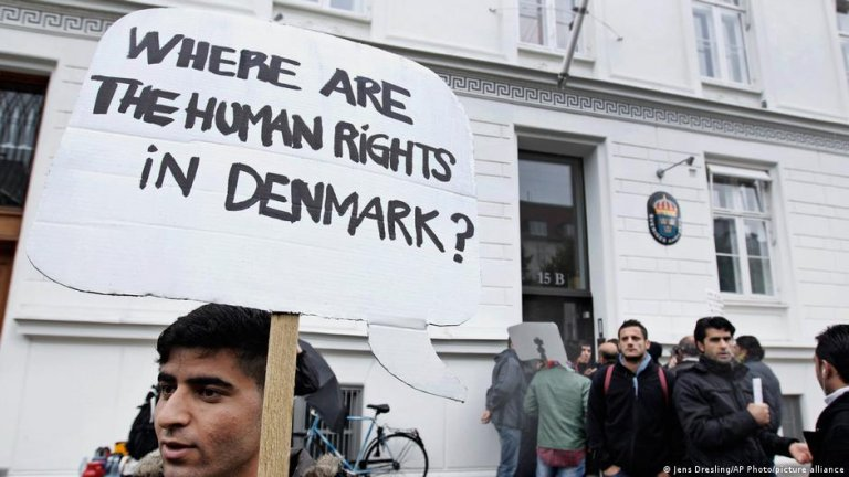 Denmark recently withdrew the residence permit of many Syrian refugees after declaring the country safe | Photo: Jens Dresling/AP Photo/picture alliance