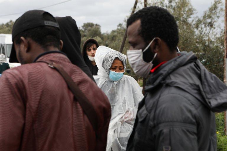 إغلاق مركز منظمة أطباء بلا حدود لعزل المصابين بفيروس كورونا قرب مخيم موريا