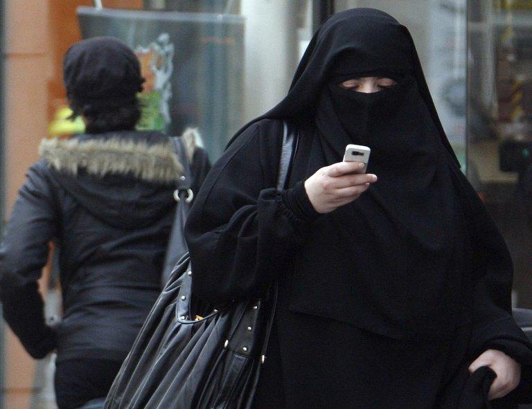 Reuters/Regis Duvignau  Même si elle choque certains musulmans, l'interdiction du port du voile intégral dans l'espace public est une «mesure nécessaire» dans une société démocratique, a estimé ce mardi la CEDH.
