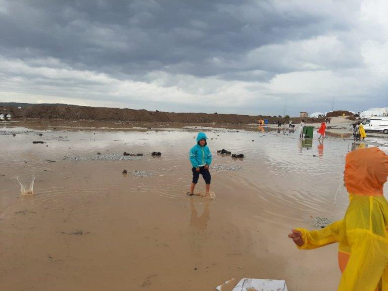 Dans le camp de Lesbos, des enfants sont sous antidépresseurs pour supporter leurs traumatismes. Crédit : DR