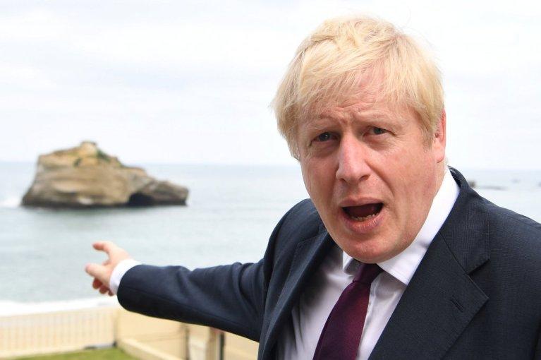 رئيس الوزراء البريطاني بوريس جونسون، بالقرب من الساحل الفرنسي، أب/أغسطس 2019. المصدر:رويترز