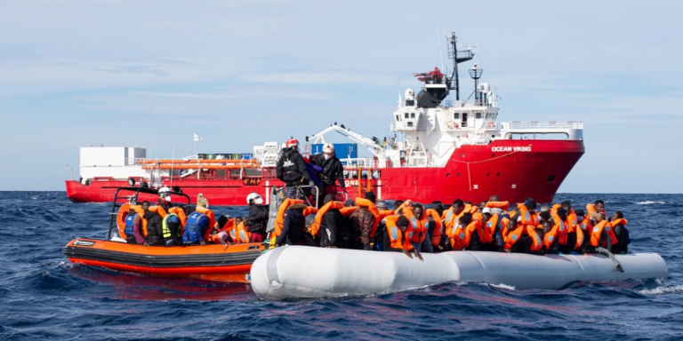 Ocean Viking crew rescue migrants at sea | Photo: Fabian Mondl / SOS Mediteranee