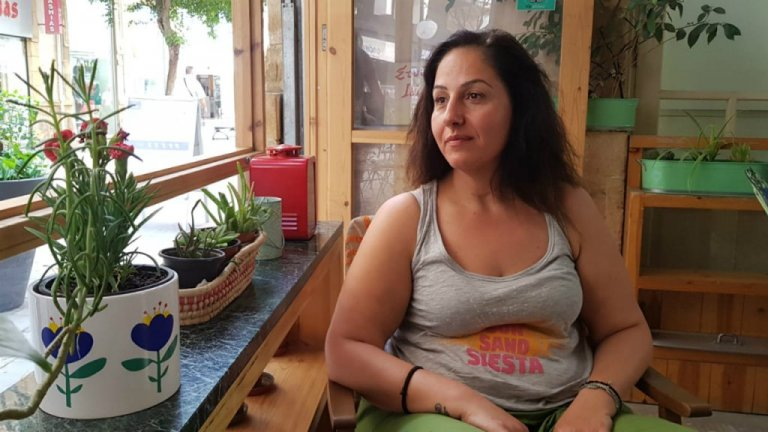 Maria Mapporidou at a café in Nicosia, Cyprus, June 11, 2019  | Photo: Anne-Diandra Louarn / InfoMigrants