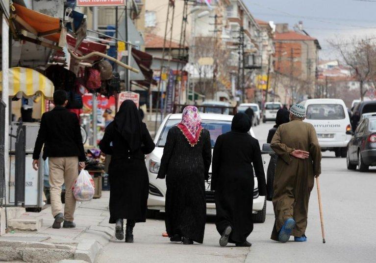Des réfugiés syriens dans le quartier Ondergazi dans la capitale turque Ankara, 2017. Crédit : AFP