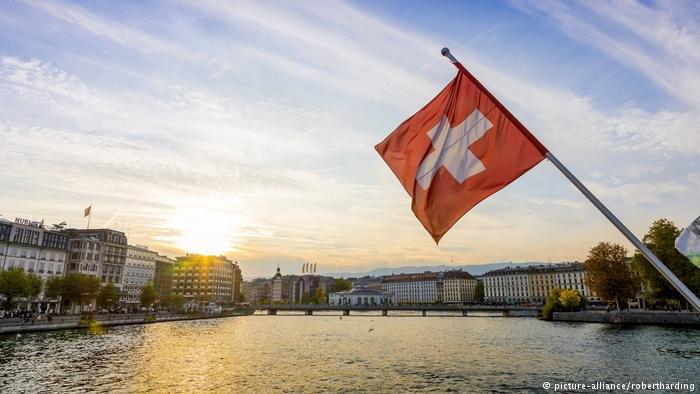 اتخذت الحكومة السويسرية مزيداً من الإجراءات لإدماج اللاجئين في المجتمع