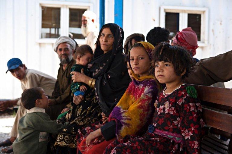 افغان کډوال  په خپله خوښه خپل هېواد ته د ستنېدلو په کمپ کې. کرېډېټ: يو اين ايچ سي آر