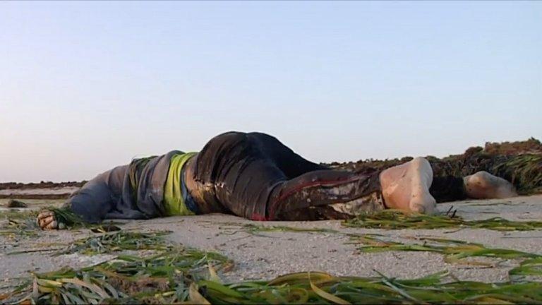 جثة مهاجر على شاطئ في جرجيس، تونس، 12 تموز/يوليو 2019. رويترز