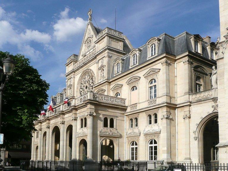 La façade de l'ancienne mairie du 1er arrondissement de Paris. Crédit: Wikimedia/Pline