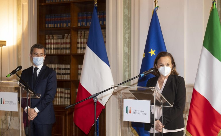 Italian Interior Minister, Luciana Lamorgese (R), during a joint press conference after the meeting with her French counterpart, Gerald Darmanin (L), at Viminale Palace, Rome, Italy, 6 November 2020 | Photo: ANSA/CLAUDIO PERI