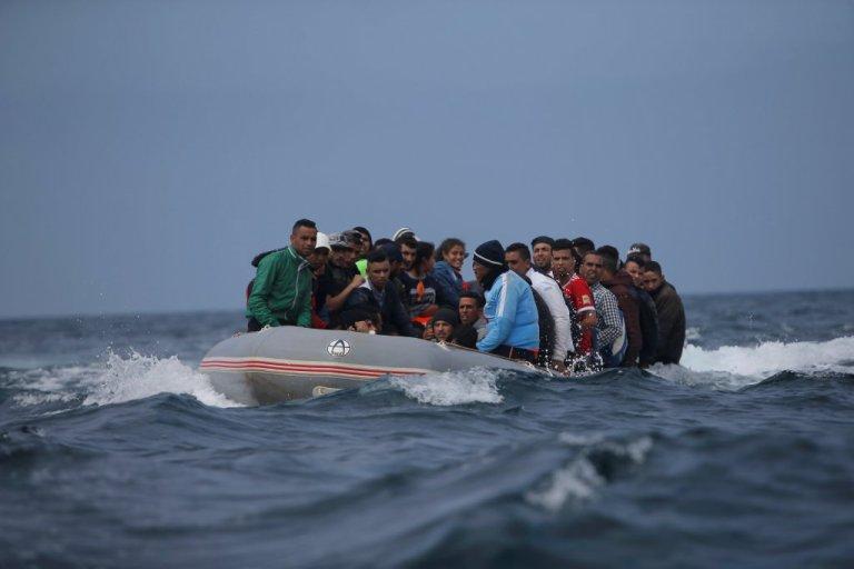 مهاجرون يصلون إلى السواحل الإسبانية قادمين من المغرب / رويترز / أرشيف