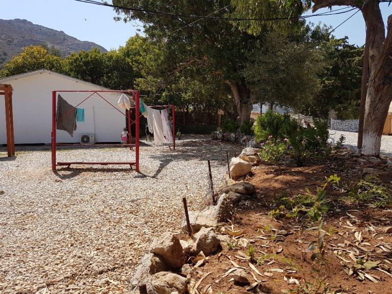 الصورة لموفد مهاجر نيوز إلى اليونان شريف بيبي
