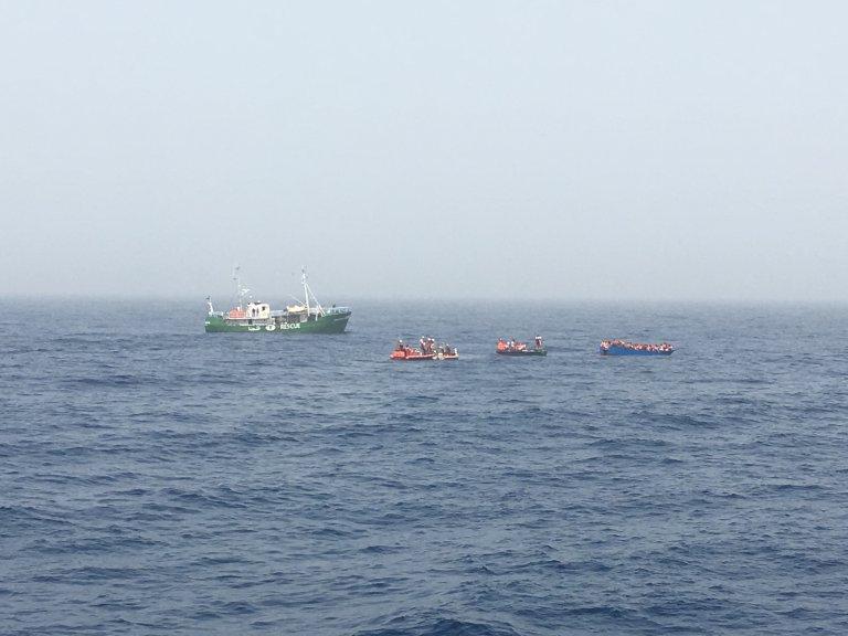 Image d'archive d'un sauvetage en Méditerranée. Crédit : Boualem Rhoubachi pour InfoMigrants