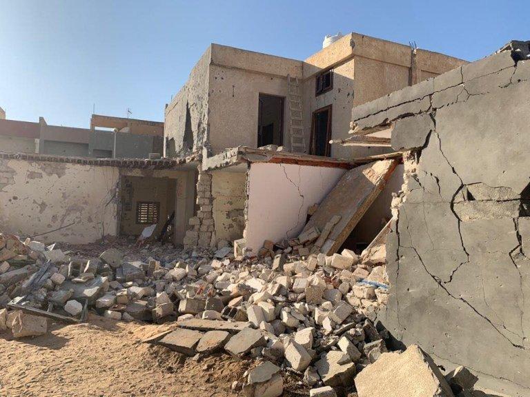 Image d'illustration d'un immeuble bombardé dans le quartier d'Al-Farnaj, dans le sud de Tripoli. Crédit : France 24