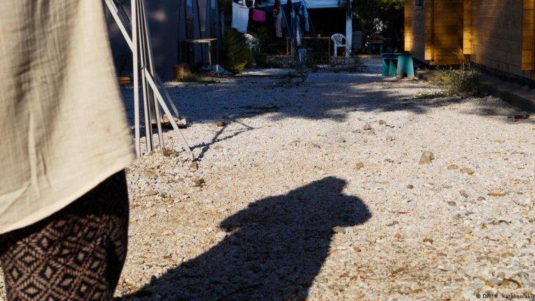 یک مهاجر زن در کمپ موریا