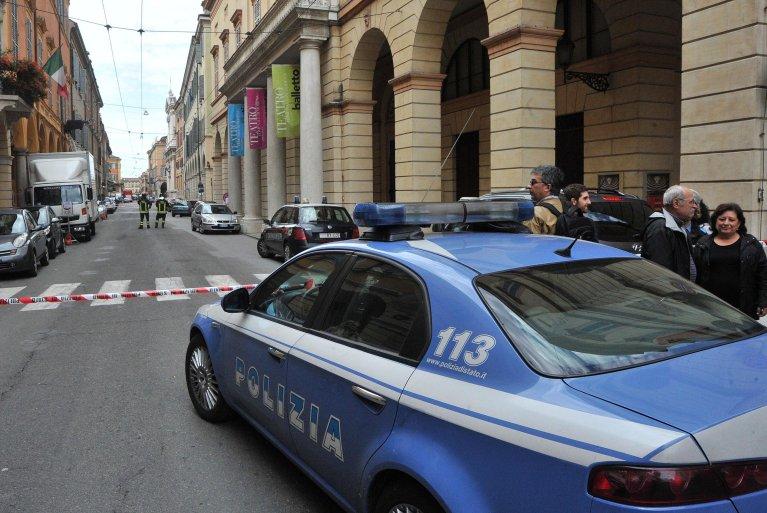 دورية للشرطة في مودينا. المصدر: أنسا / إليزابيتا باراكي.