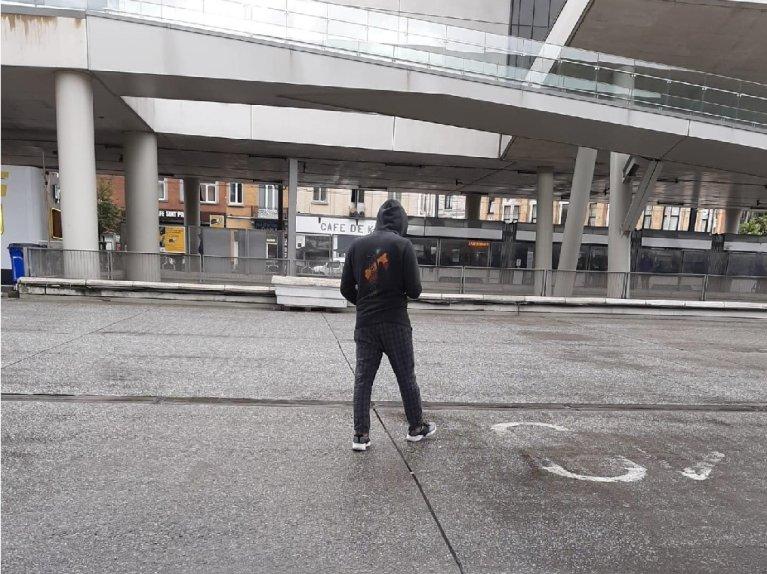 محمود* وصل بلجيكا بعد عام تقريباً من التنقل بين البلدان وعبور الحدود بشكل غير شرعي. (قام محمود* بإرسال الصورة إلى مهاجر نيوز)