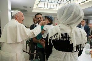 صورة البابا مأخوذة عن صحيفة اوسرفاتوري رومانو