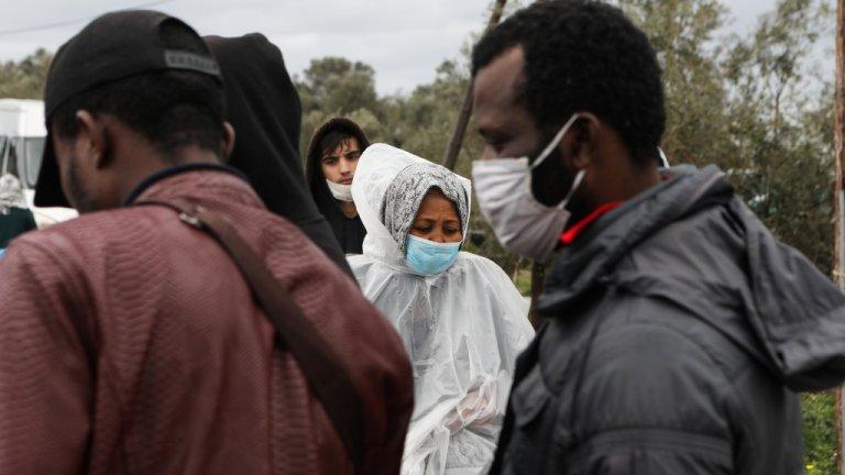خلال شهري آذار ونيسان من العام الماضي، عانى الأفارقة والآسيويون من أعلى نسب زيادة في الوفيات. المصدر: رويترز