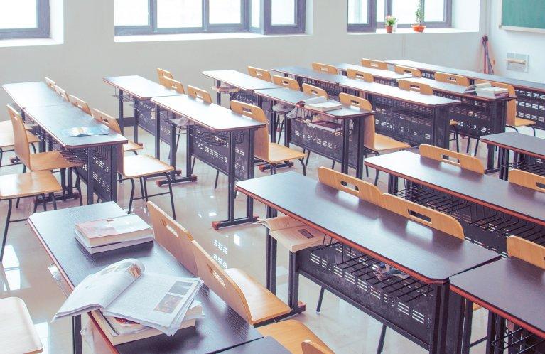 Image d'illustration d'une salle de classe vide. Crédit : Pixabay