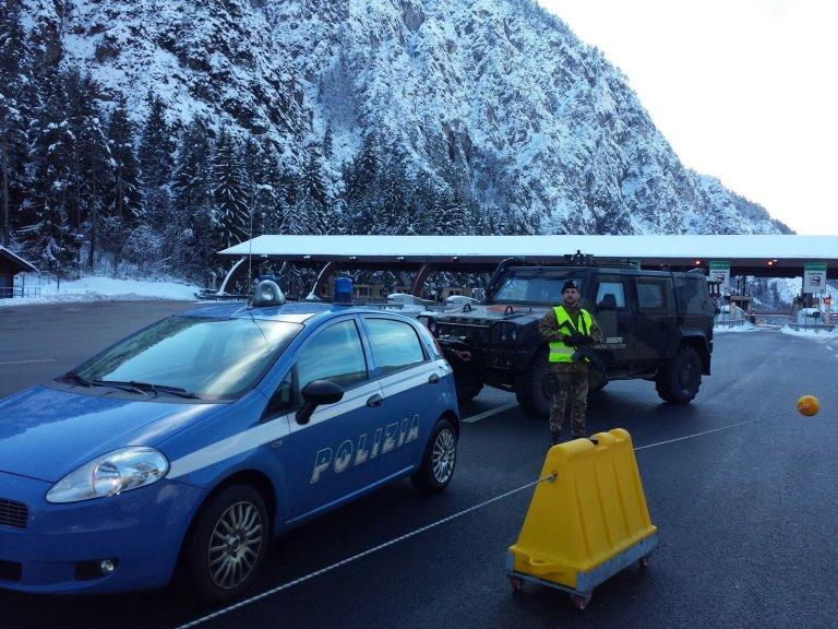 دورية مشتركة للشرطة والجيش في ترافيزيو بأوديني في إيطاليا. المصدر: أنسا.