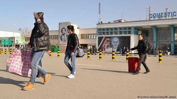 Afghan asylum seekers returning to Afghanistan
