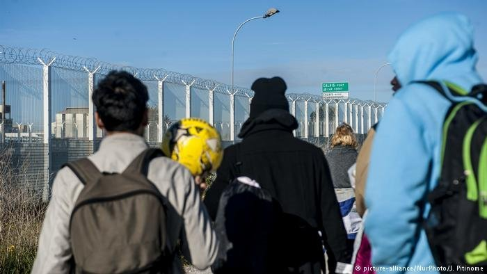 Young migrants in the northern French port city of Calais. Photo: Picture alliance